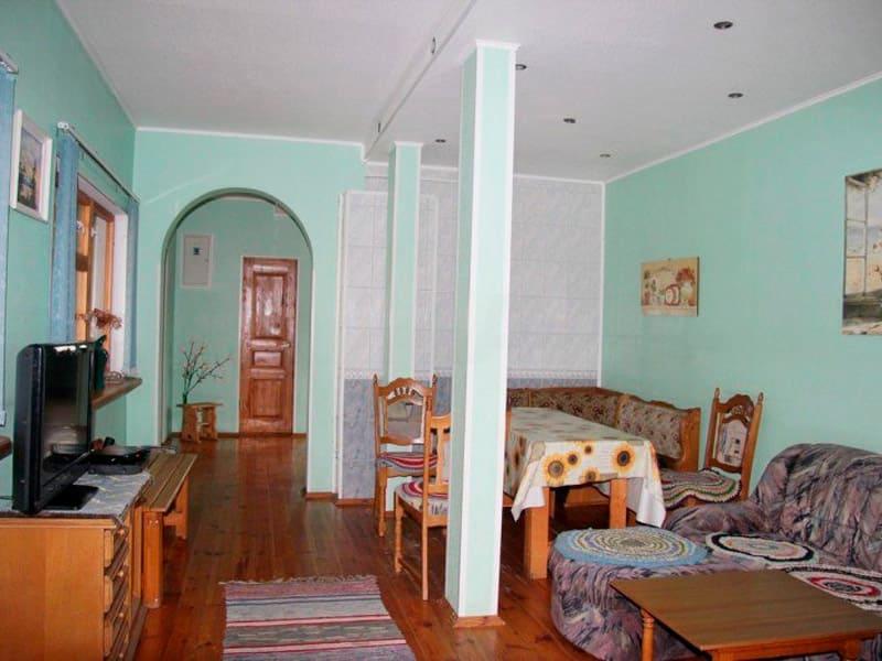 общая комната в туристическом комплексе «Кудама» фото
