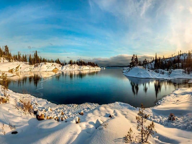 панорамные виды на северную природу и Ладожское озеро